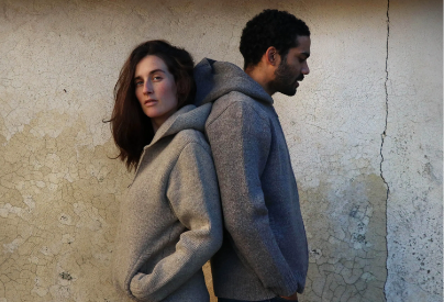 femme-homme-pull-capuche