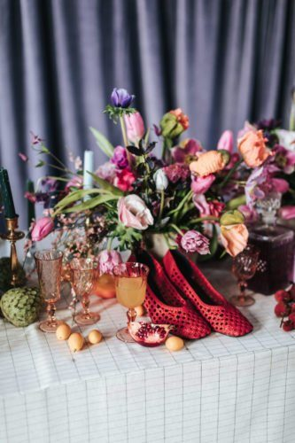 table-chaussures-fleurs