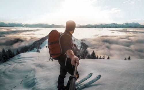 homme-montagne-ski